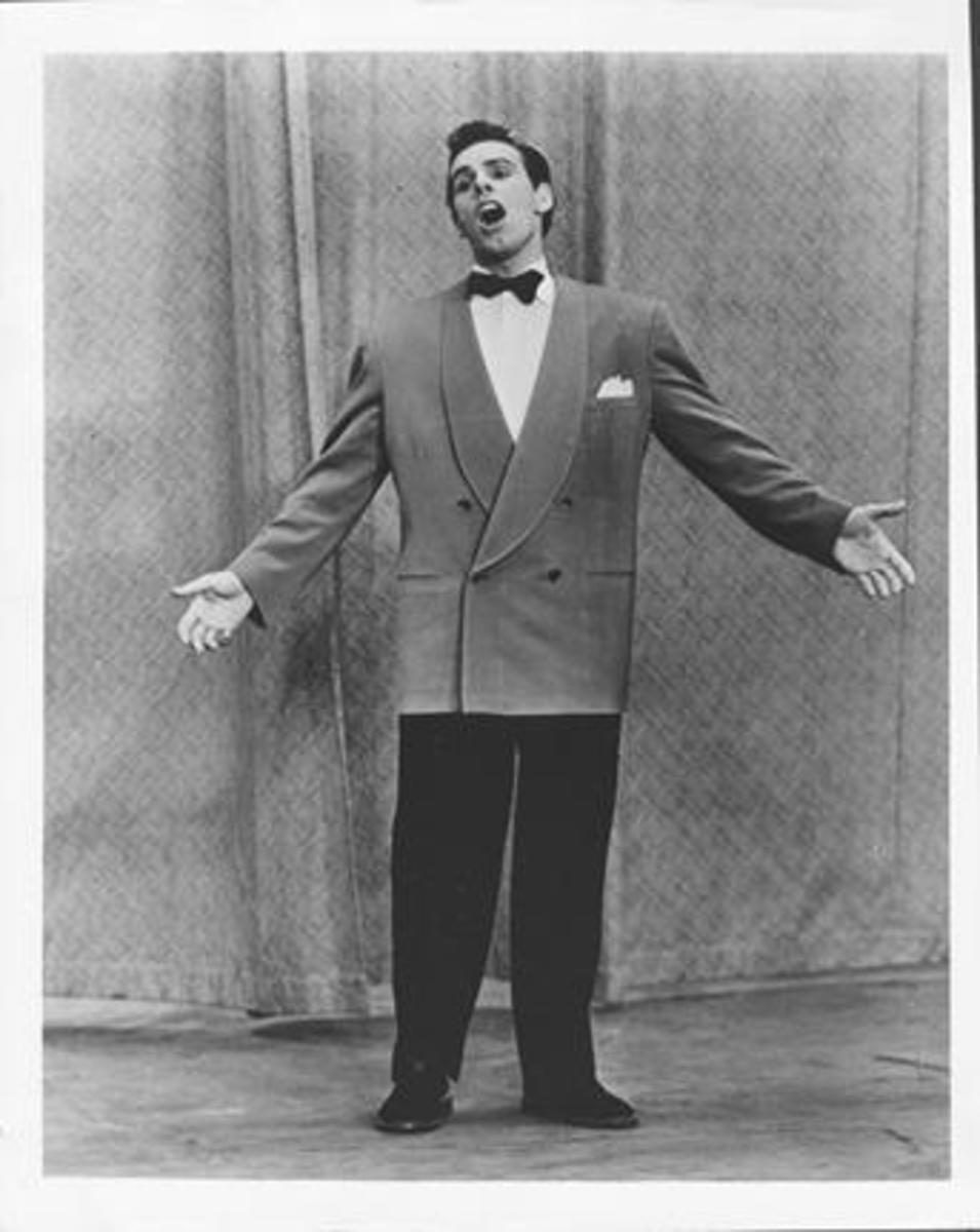 Tony Fontane sings in an early television appearance