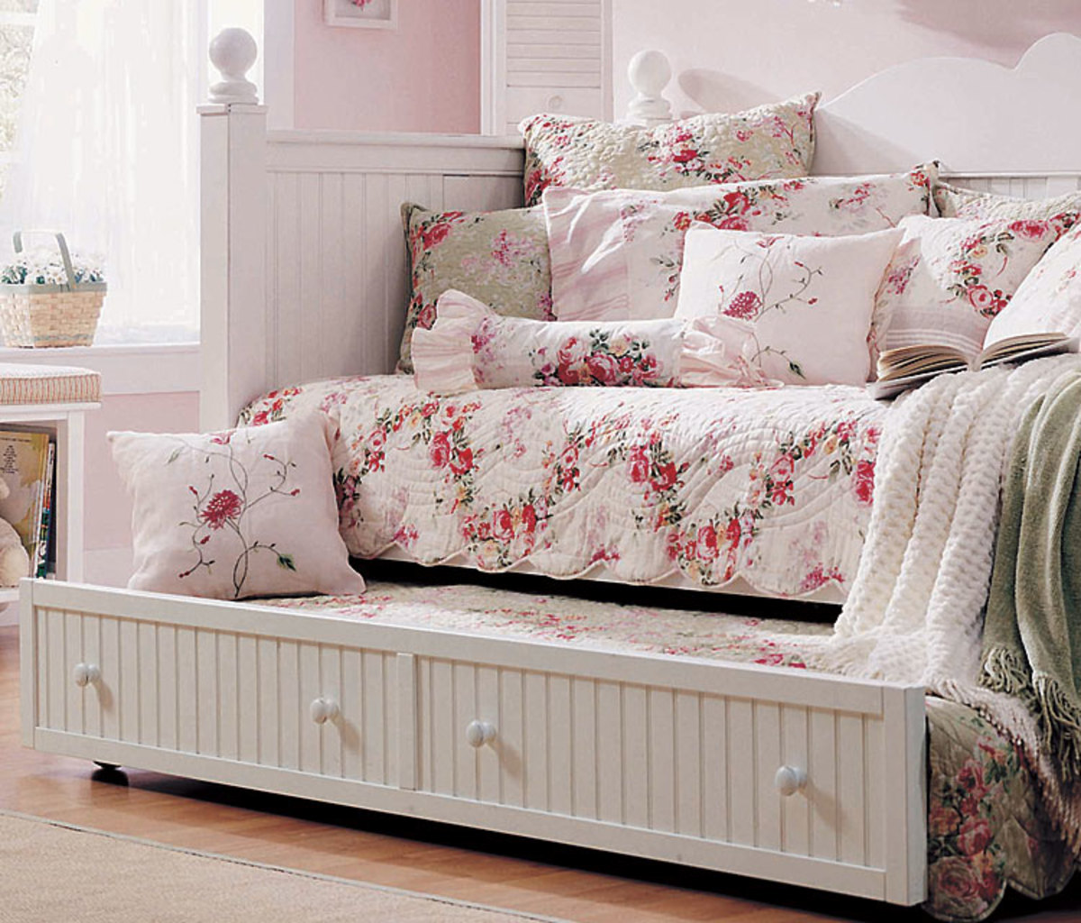 Daybed frame option with trundle and beadboard design details Daybed Frame Option - Spare Bedroom Ideas
