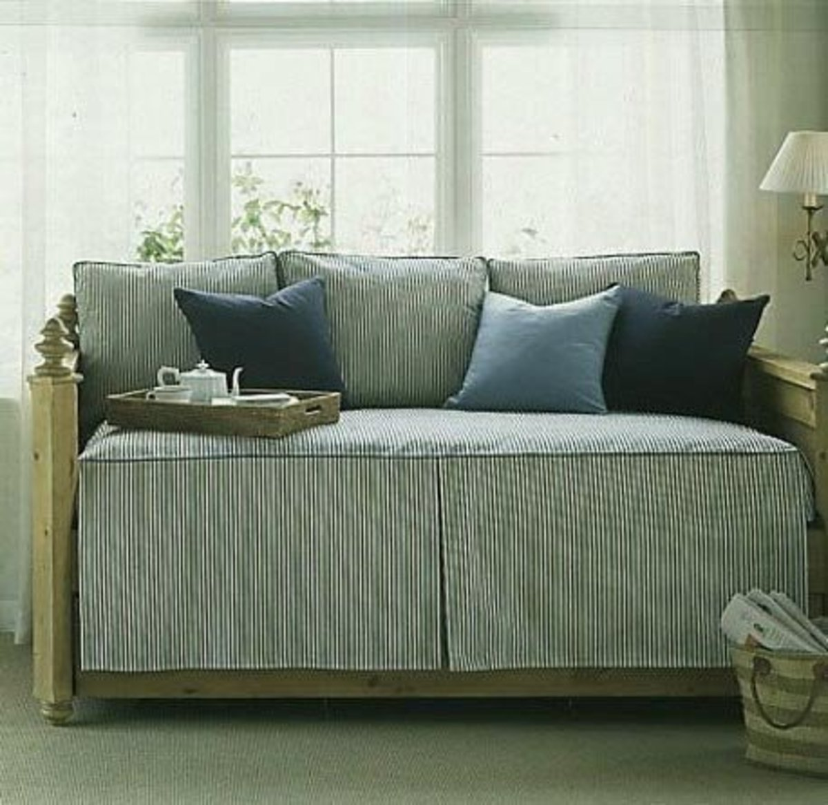 Daybed linen options in blue