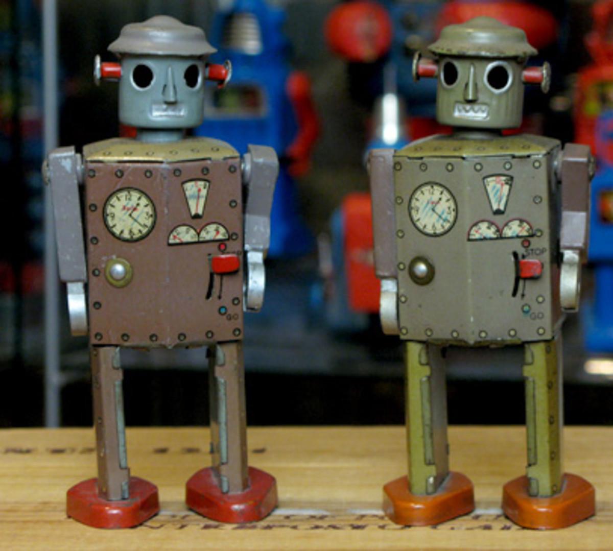 classic-toy-robots