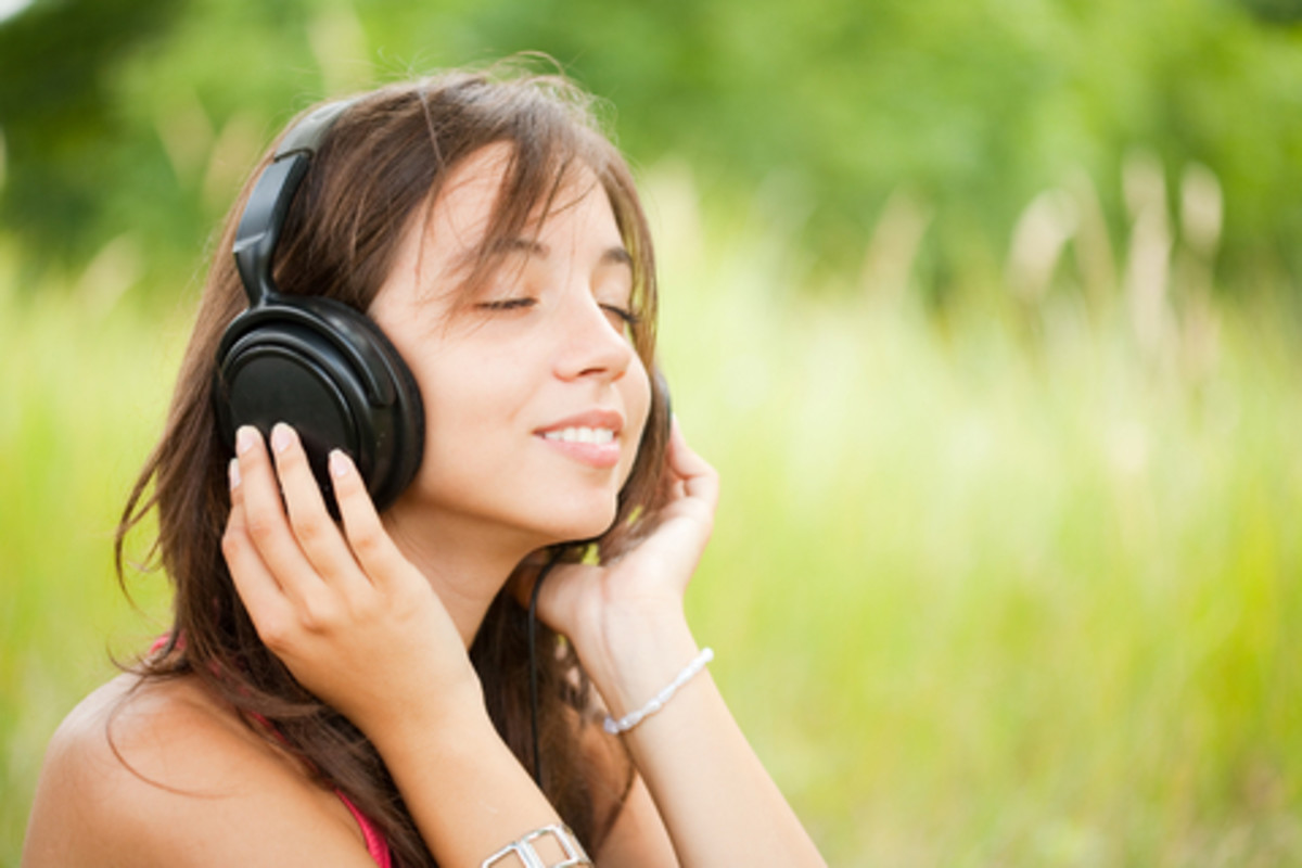 Give Me 10 Minutes, and I'll Give You the Secret for a Happier, Healthier Life: Binaural Beats Meditation (with Video)