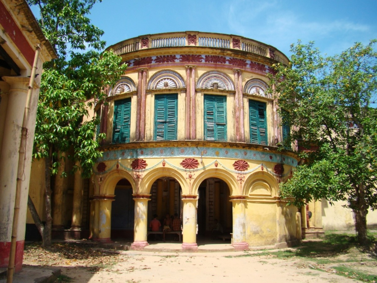 The palace of the Mandal family, owners of the temple estate