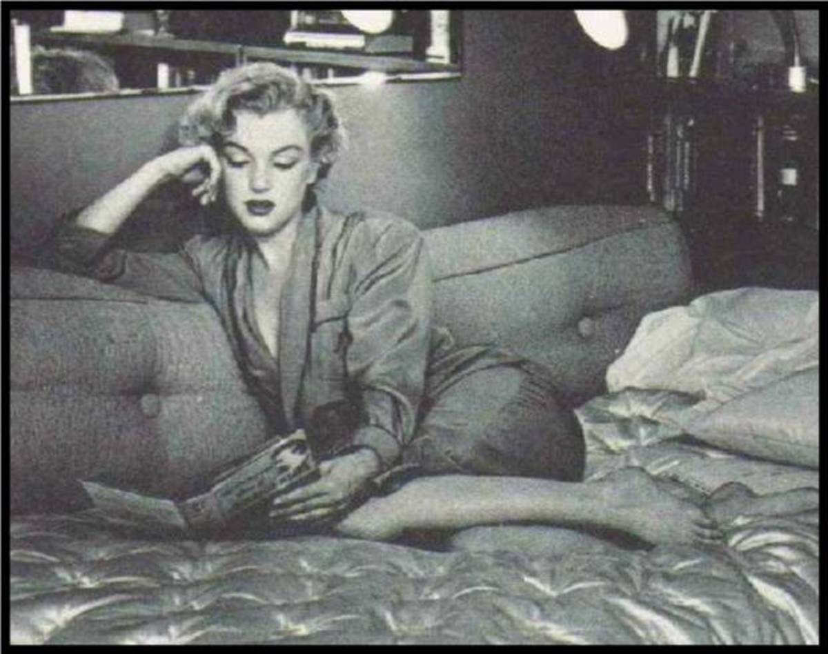 marilyn-monroe-the-poet-and-reader