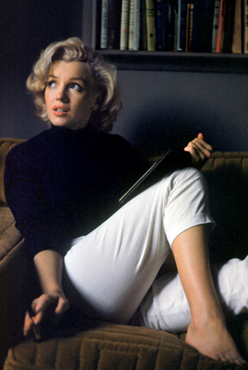 "This Photo of Marilyn, used for the cover of the book ""Fragments"", is my favourite picture of her. It somehow reminds me of a painting by Jack Vettriano."