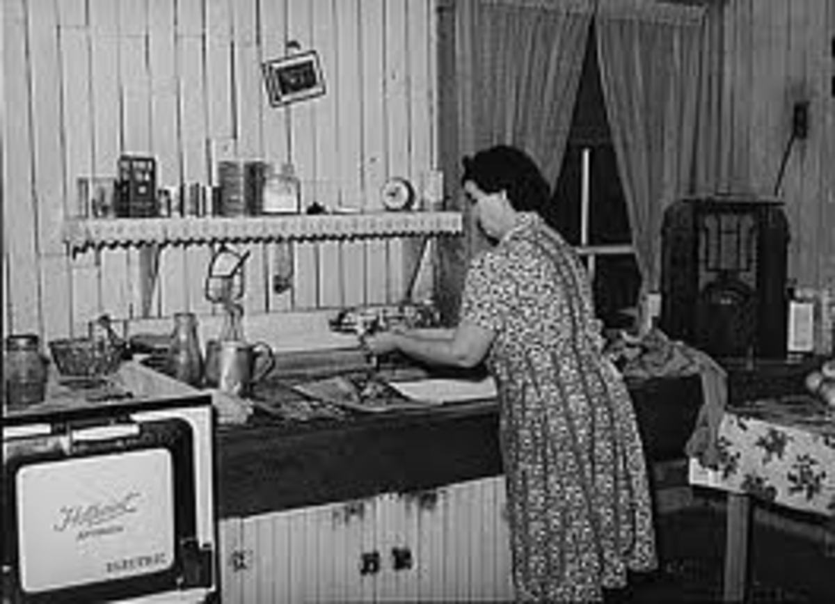 "Notice the ""Old Time"" Radio in the Corner of this Radio Homemaker's Kitchen"