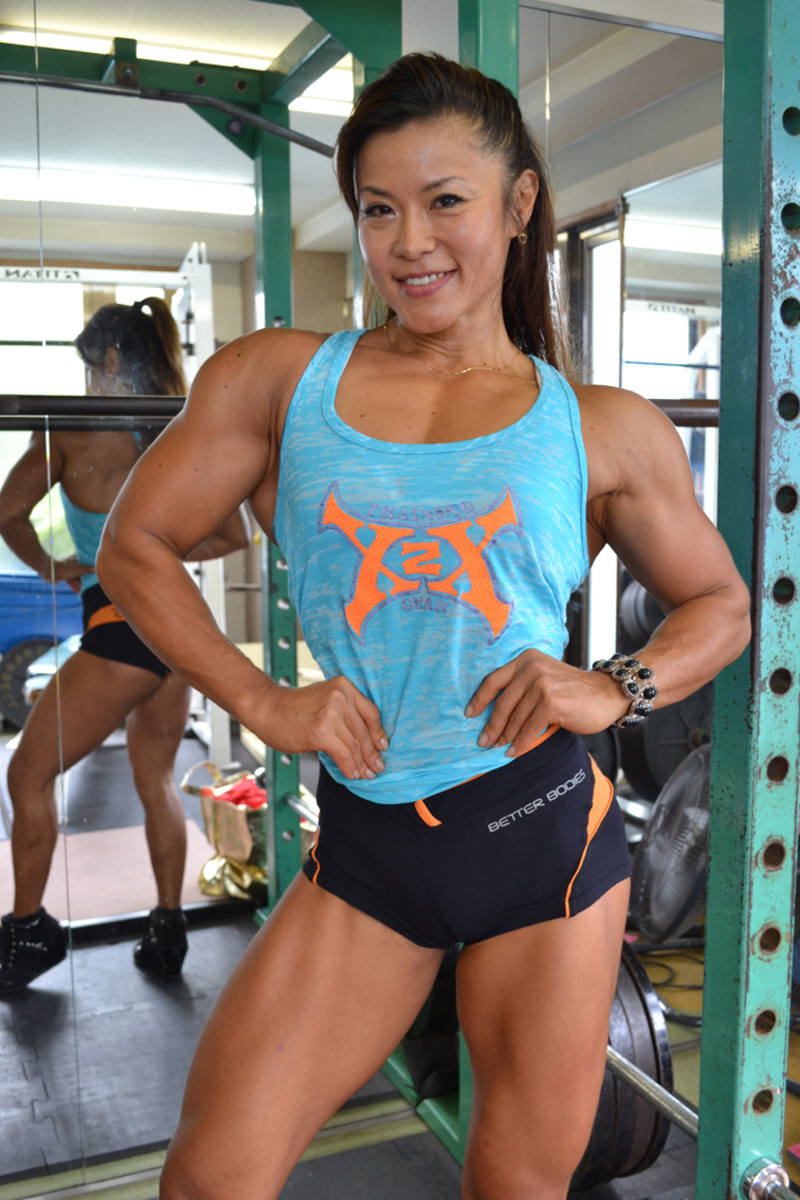 Tomoko Kanda - Asian Female Bodybuilder