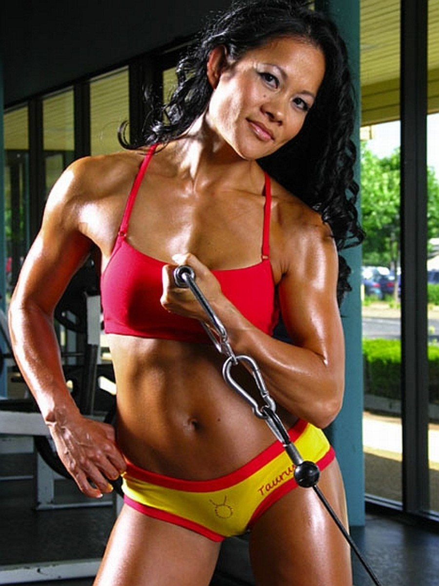 Yvonne Bates - Asian Fitness Competitors