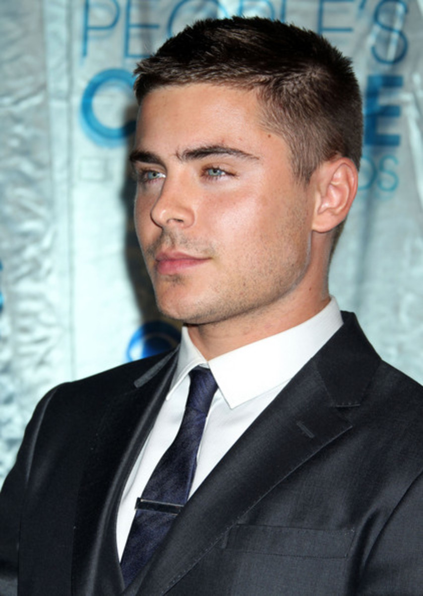 Zac Efron, 25, at the People's Choice Award.  Zac's short hair style is a classic short haircut.  Zac looks so cool and trendy. - 2013 Hairstyles for Men Short Medium Long Hair Styles Haircuts, by Rosie2010