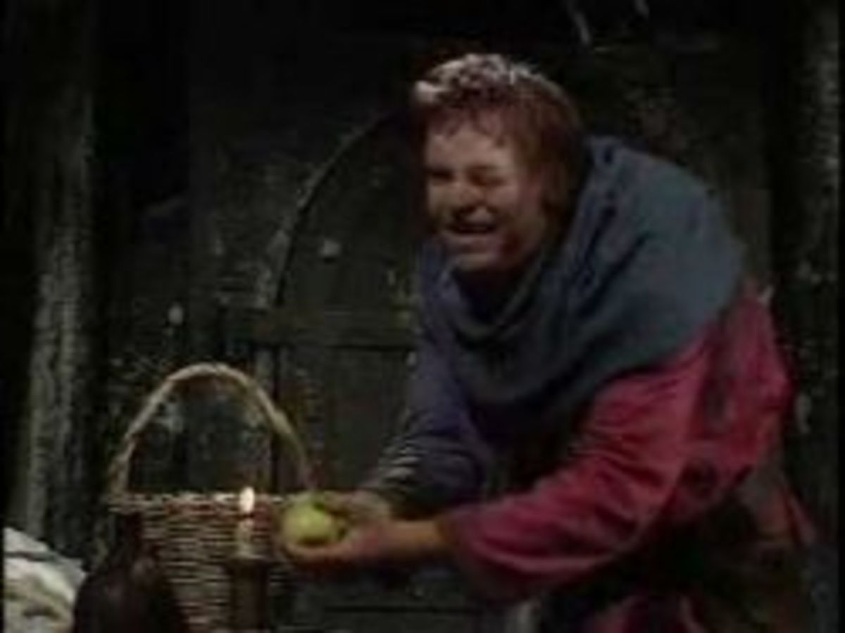 Warren Clarke as Quasimodo