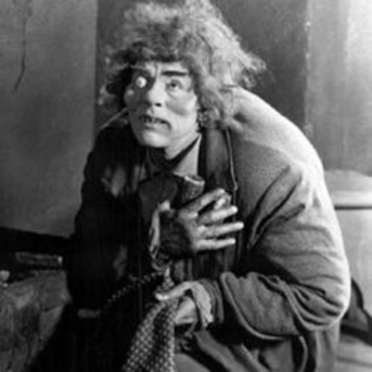 Lon Chaney as Quasimodo