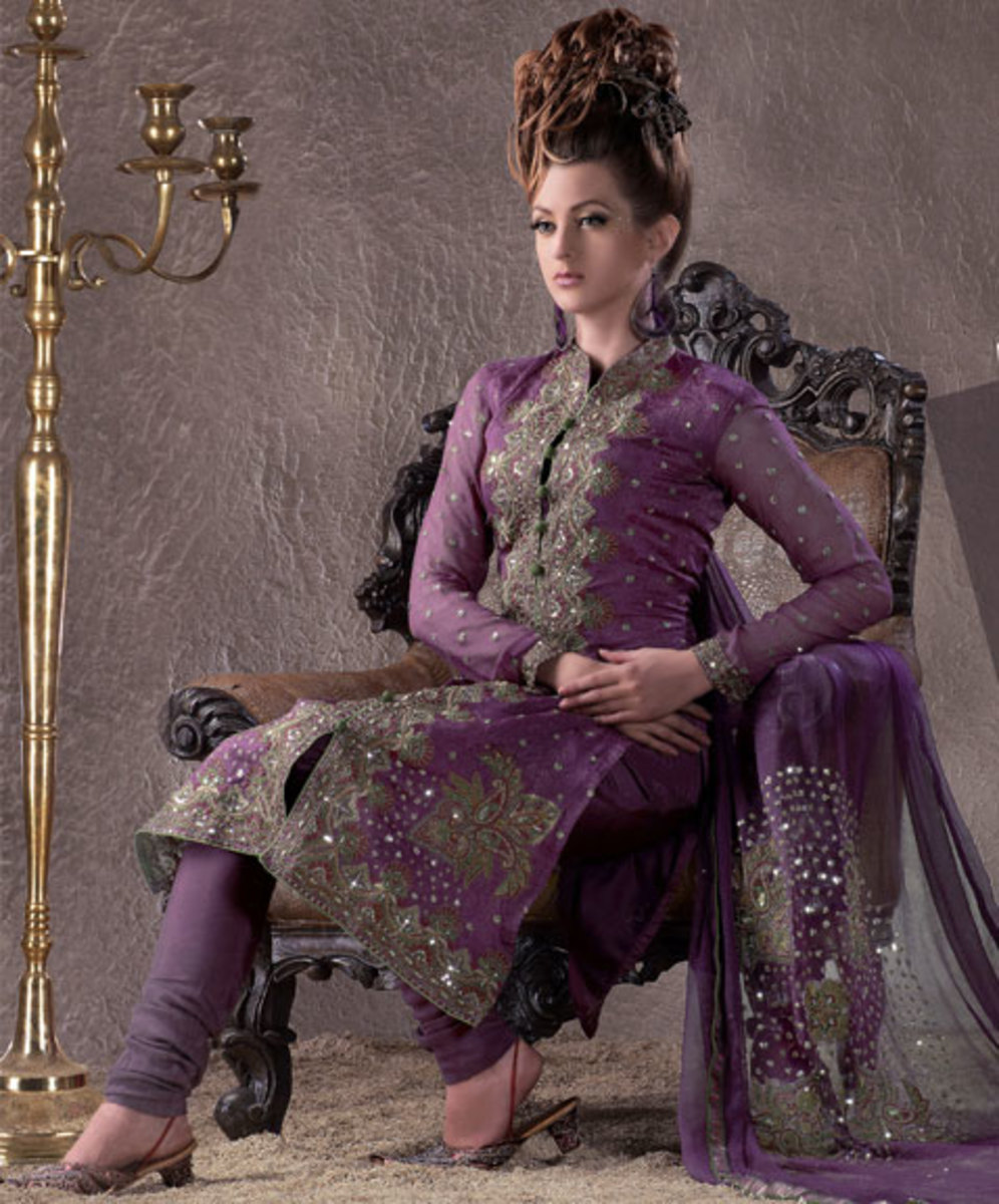 This is a very beautiful salwar kameez. It looks very royal and can be worn at weddings. The colour is just gorgeous.