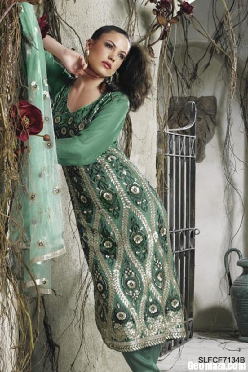 Every girl should have a green salwar kameez like this. It is modest yet sexy.