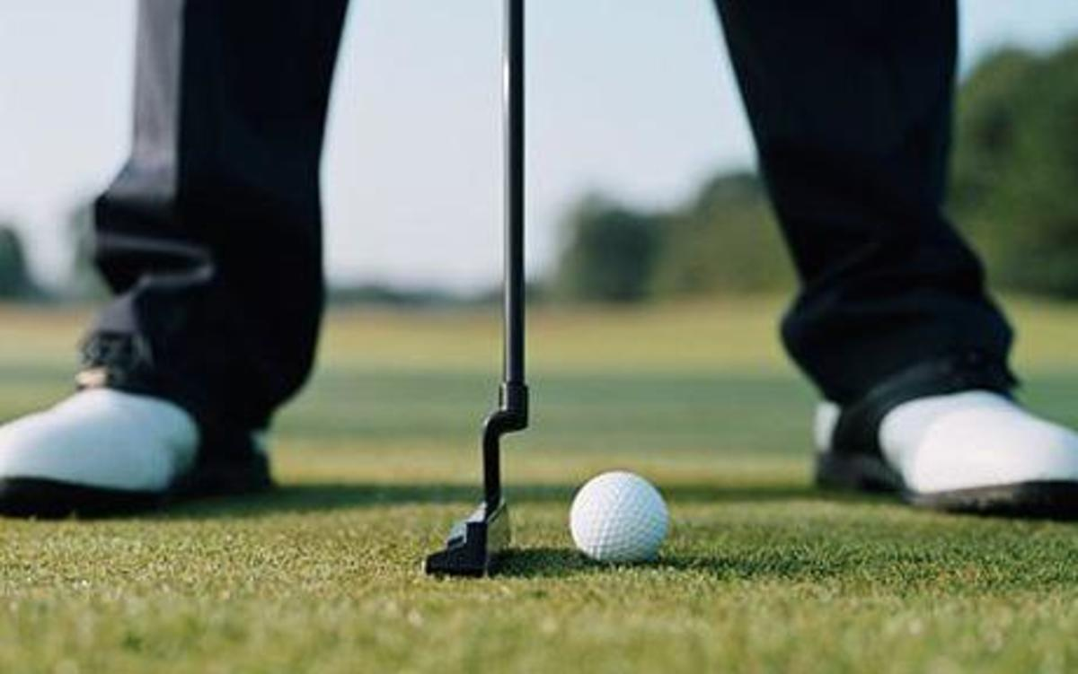 Concentrating on putting in golf requires you don't worry about golf ball marks affecting your golf ball path to the hole