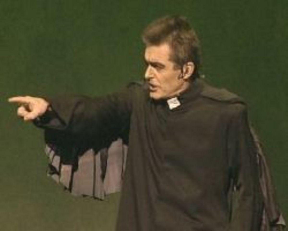 Daniel Lavoie as Frollo