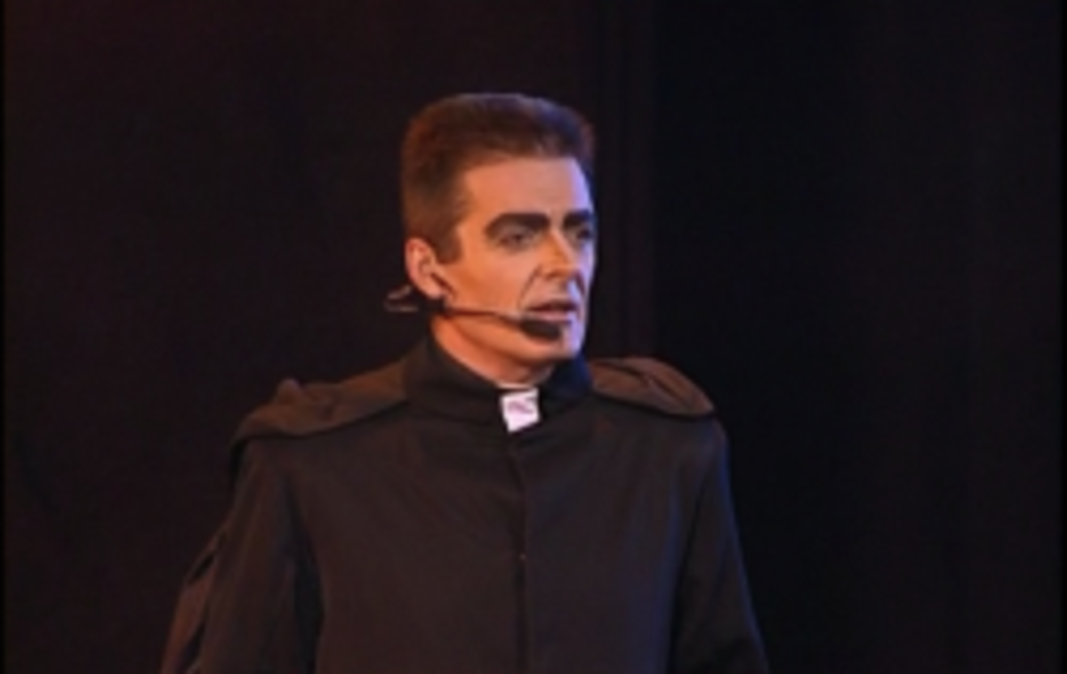 Daniel Lavoie as Frollo