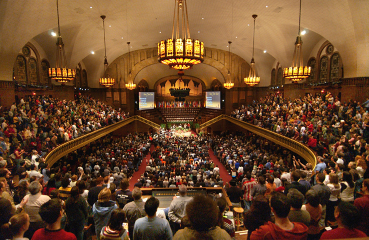 THE MOODY CHURCH IN CHICAGO