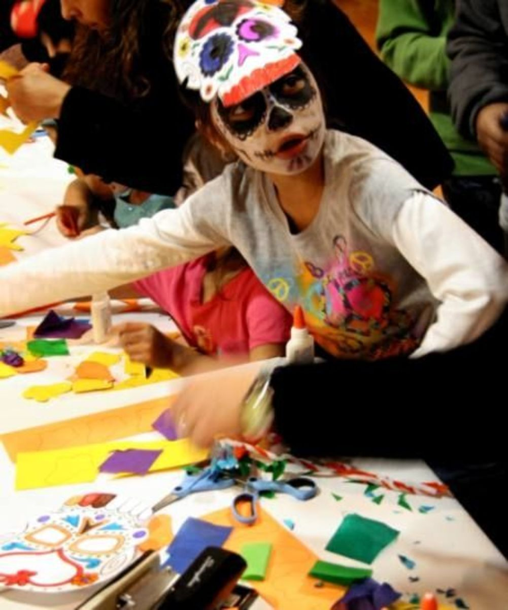 Art activities at the National Museum of Mexican Art