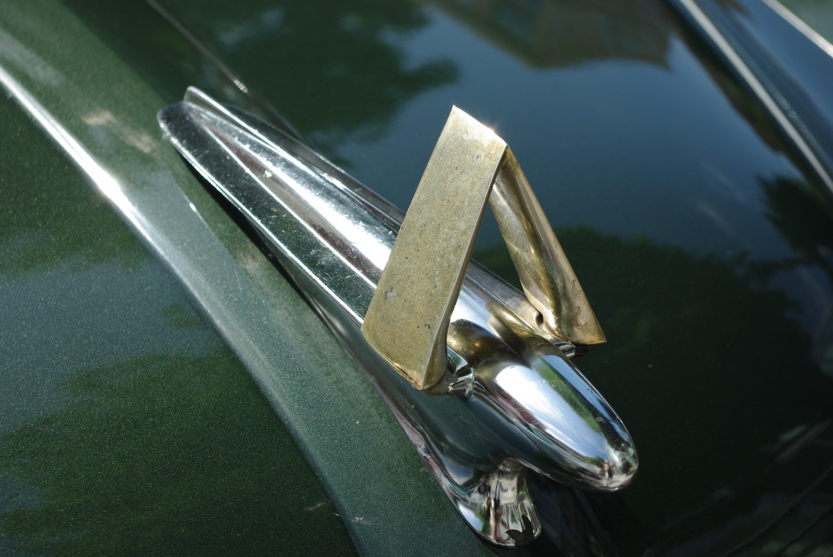 hood-ornament no. 16