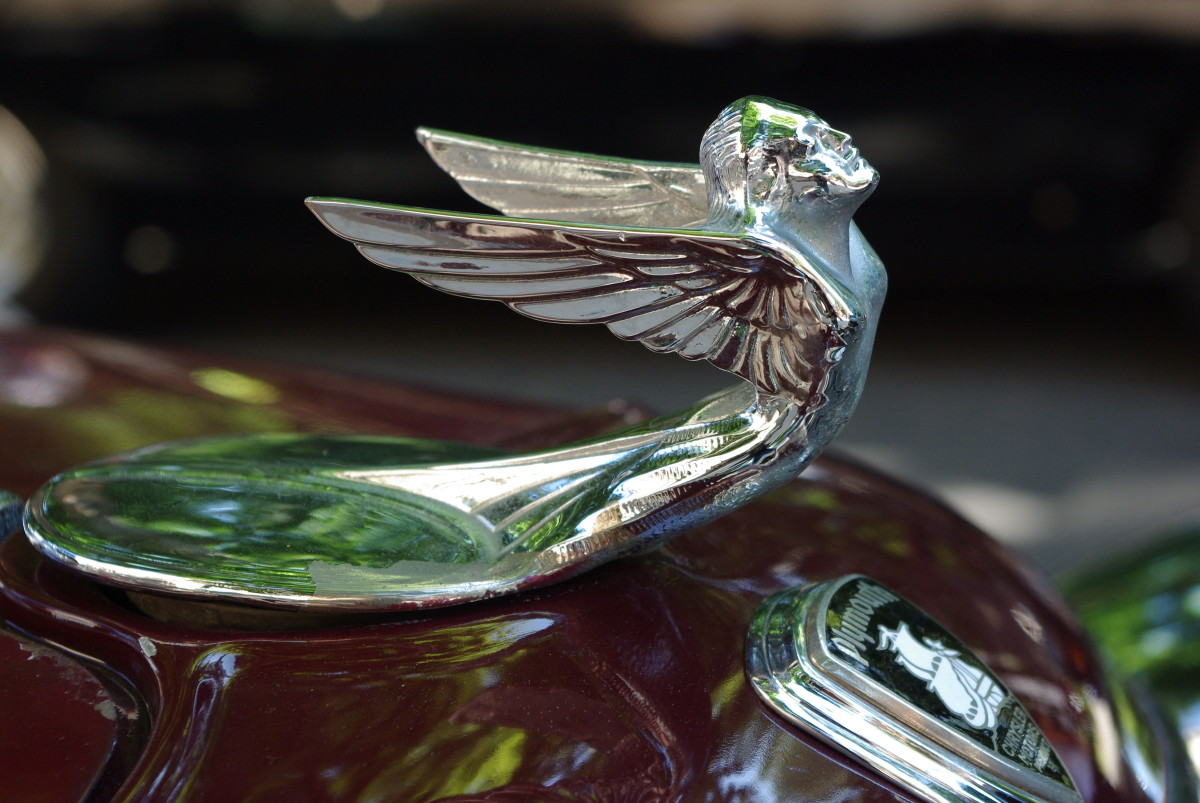 hood-ornament no. 15