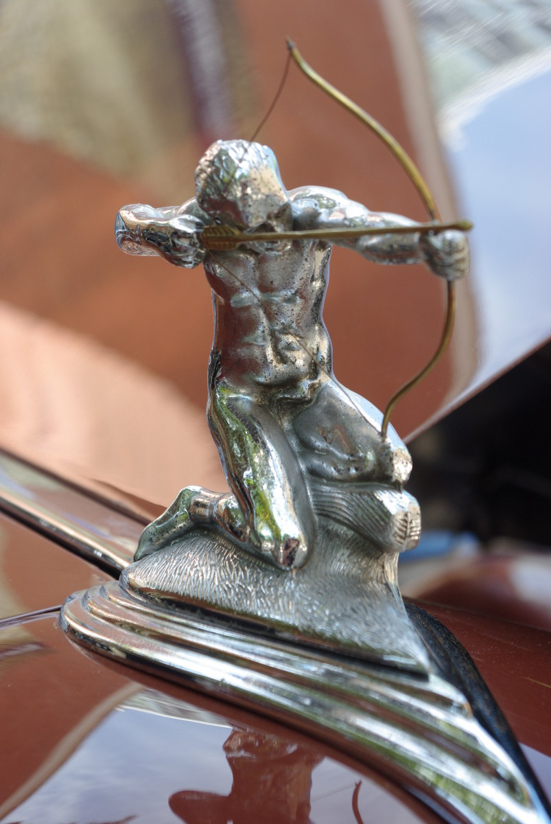 hood-ornament no. 9