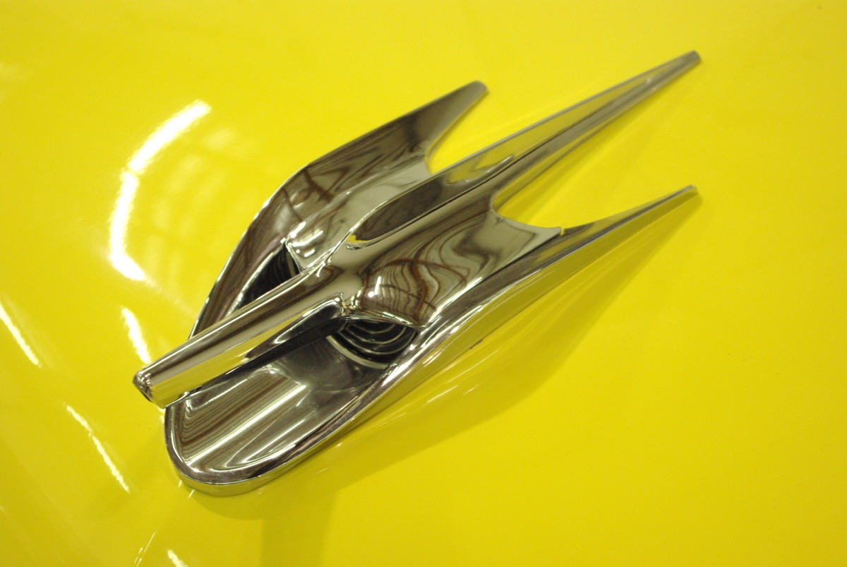 hood-ornament no. 3