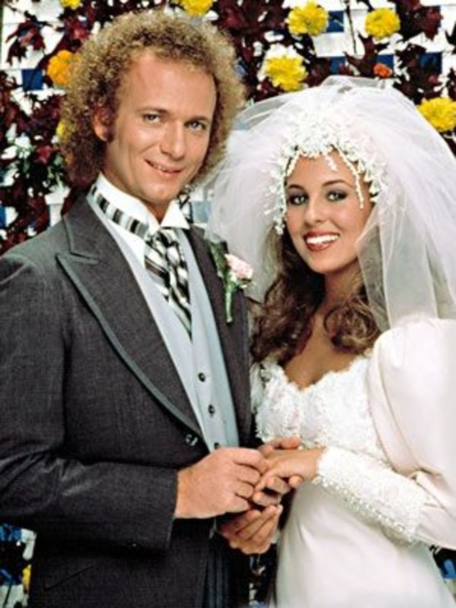 Photo from http://blogs.babble.com/famecrawler/2011/02/09/favorite-soap-stars-luke-and-laura-or-someone-else/