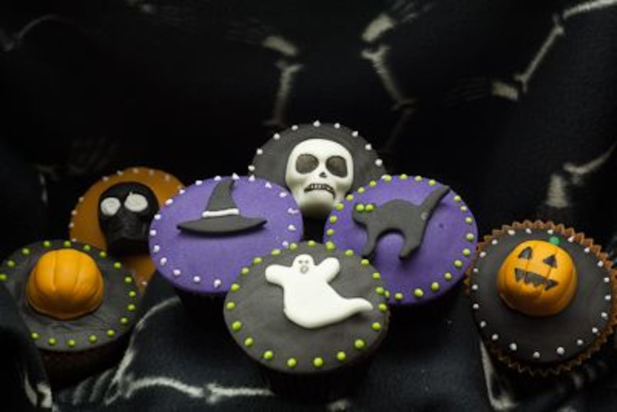 Halloween Fondant Inspiration (simplycaked)