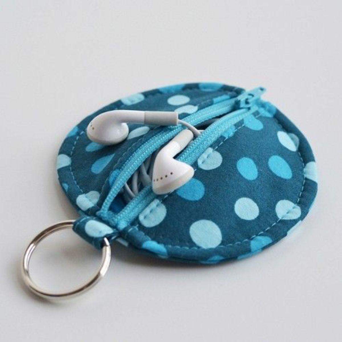 DIY Christmas Gift - Earbud Pouch