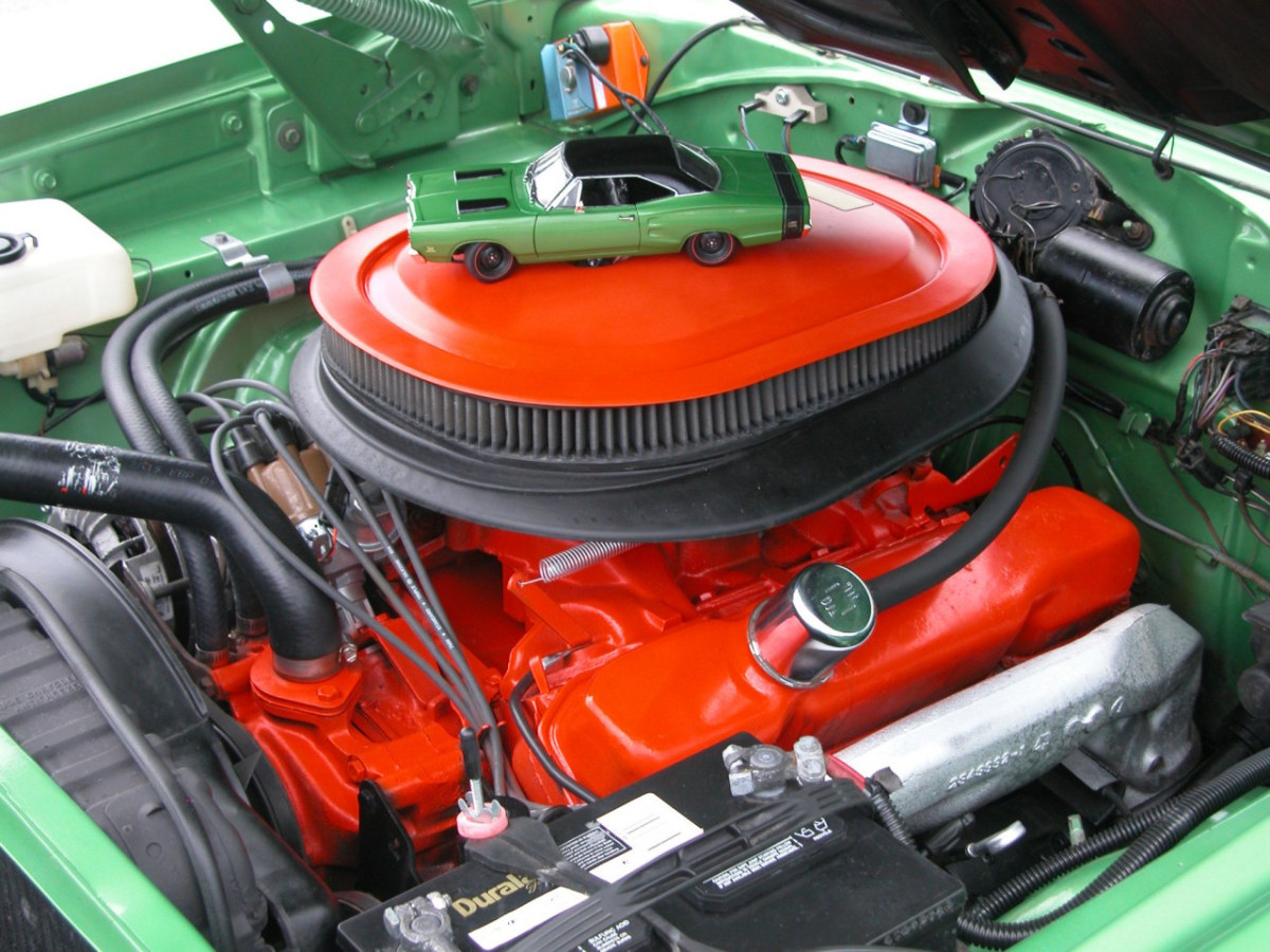 1969 SUPER BEE 44O SIX PACK ENGINE