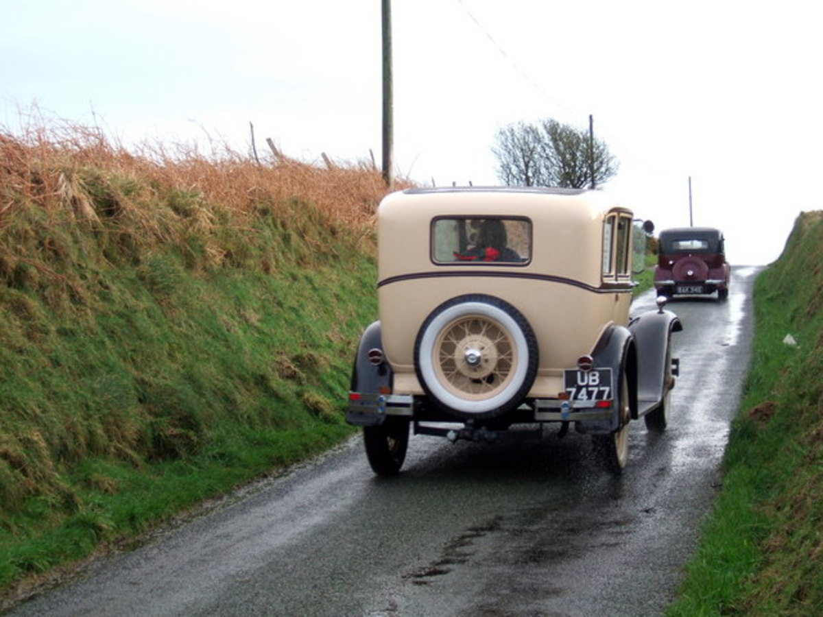 This photo of a New Year's Day old car rally in England was taken by Ceridwen.