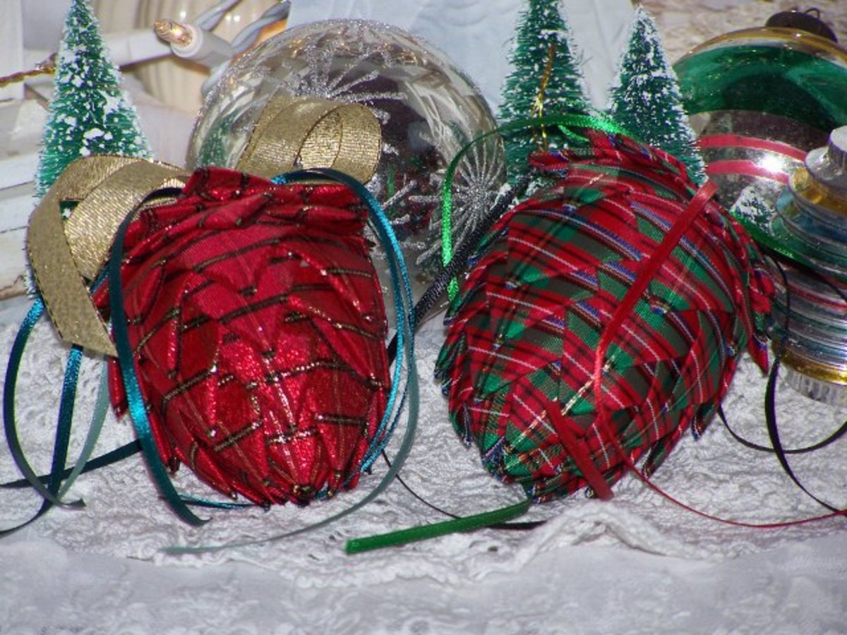 8.Ribbon Ornaments