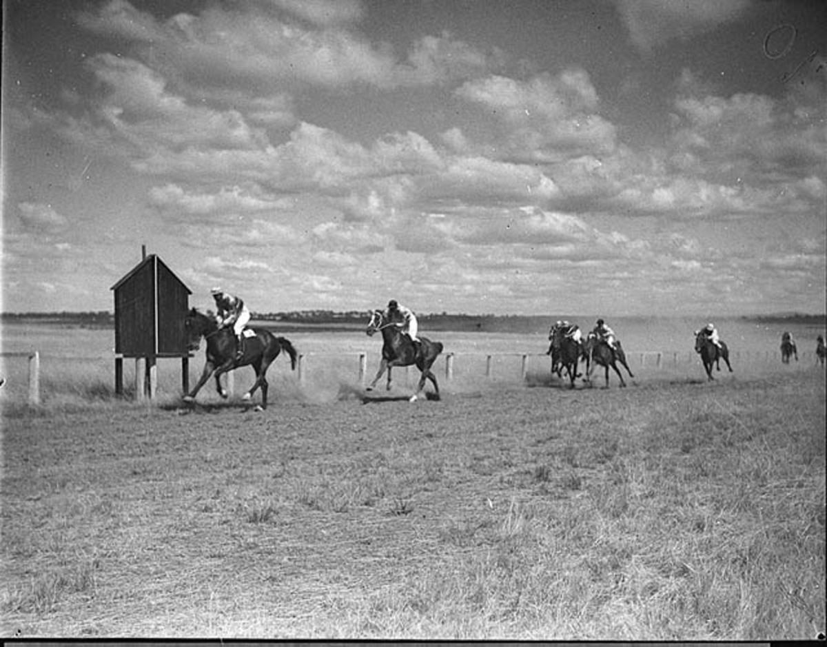 This is what the races would look like in outback Australia over 50 years ago.