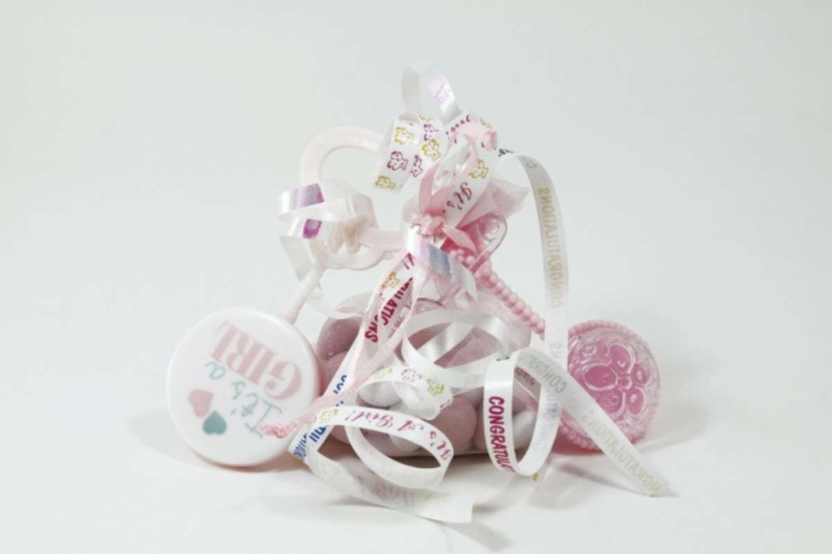 New baby gifts help mom and dad acquire all the items they will need for their new little family member.