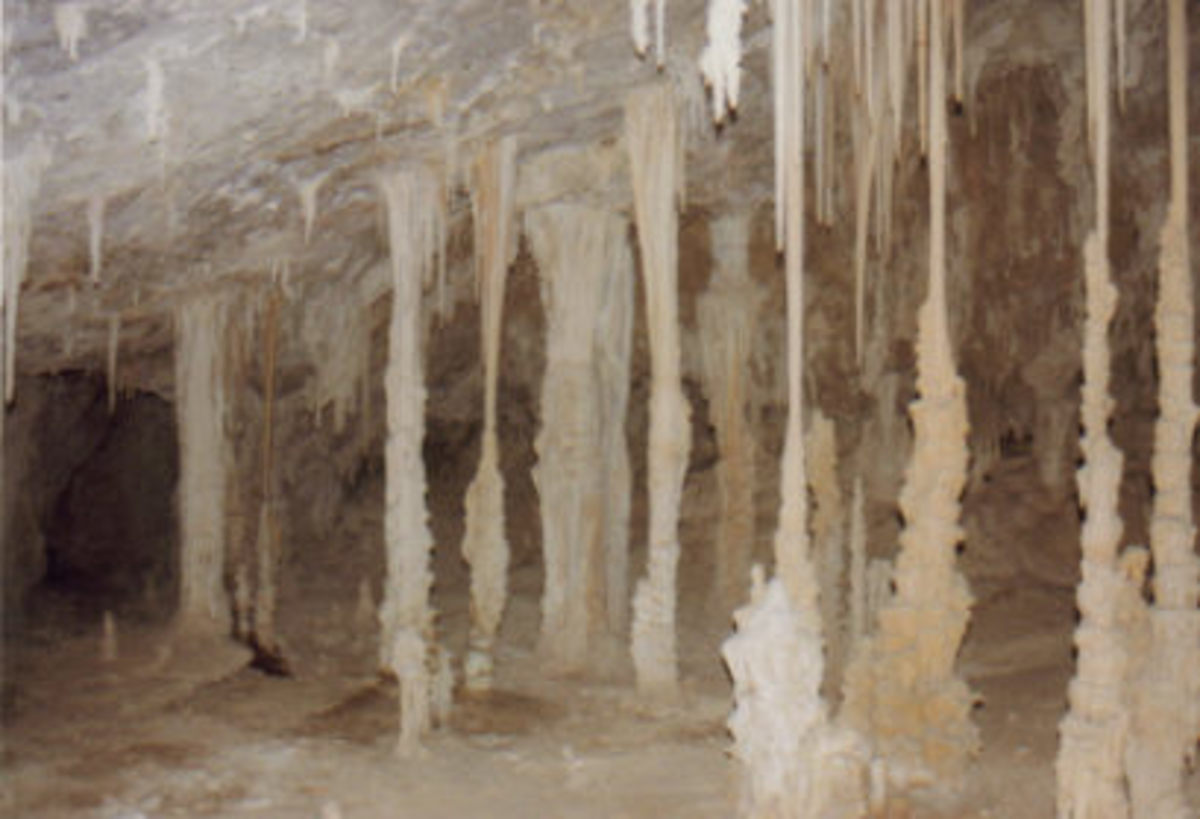 Formations inside Wen Cave.