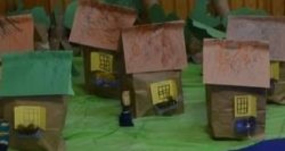 Cottages made from paper bags - Photo taken by Michelle Harrison Photography, who participates in our class