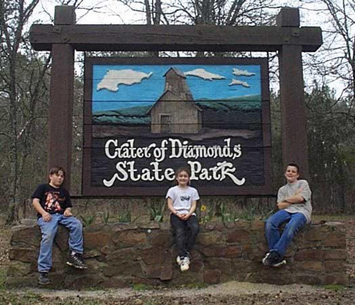 Top ten summer vacations for the family for Cabins near crater of diamonds state park