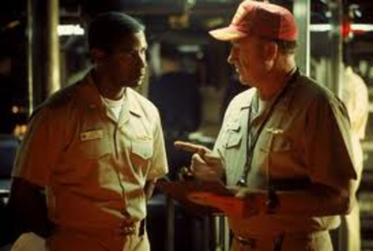 Hunter(Washington) with Ramsey(Hackman) aboard the USS Alabama