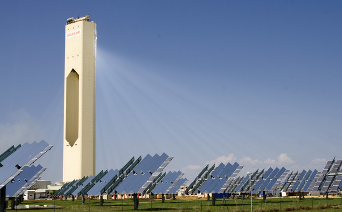 Solucar PS10 is the first solar thermal power plant based on tower in the world that generate electricity in a commercial way.