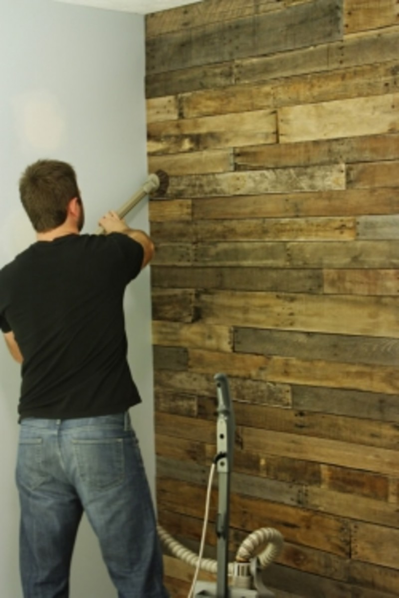Good Tutorials for DIY Projects Pallet Accent Wall