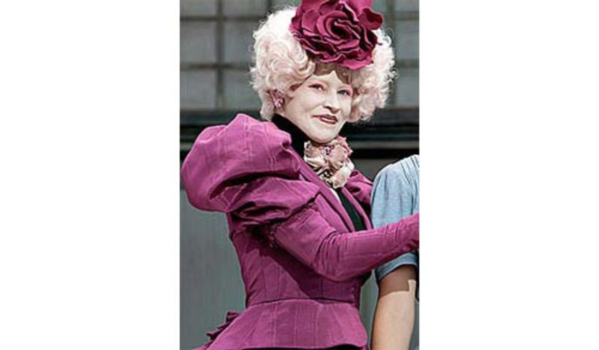 Effie Trinket's Distinctly Pink Outfit