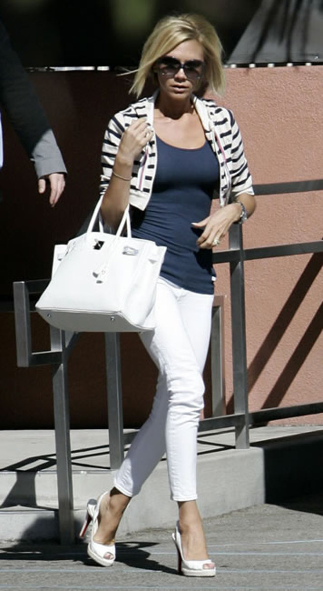 A gorgeous summer outfit with the white Birkin