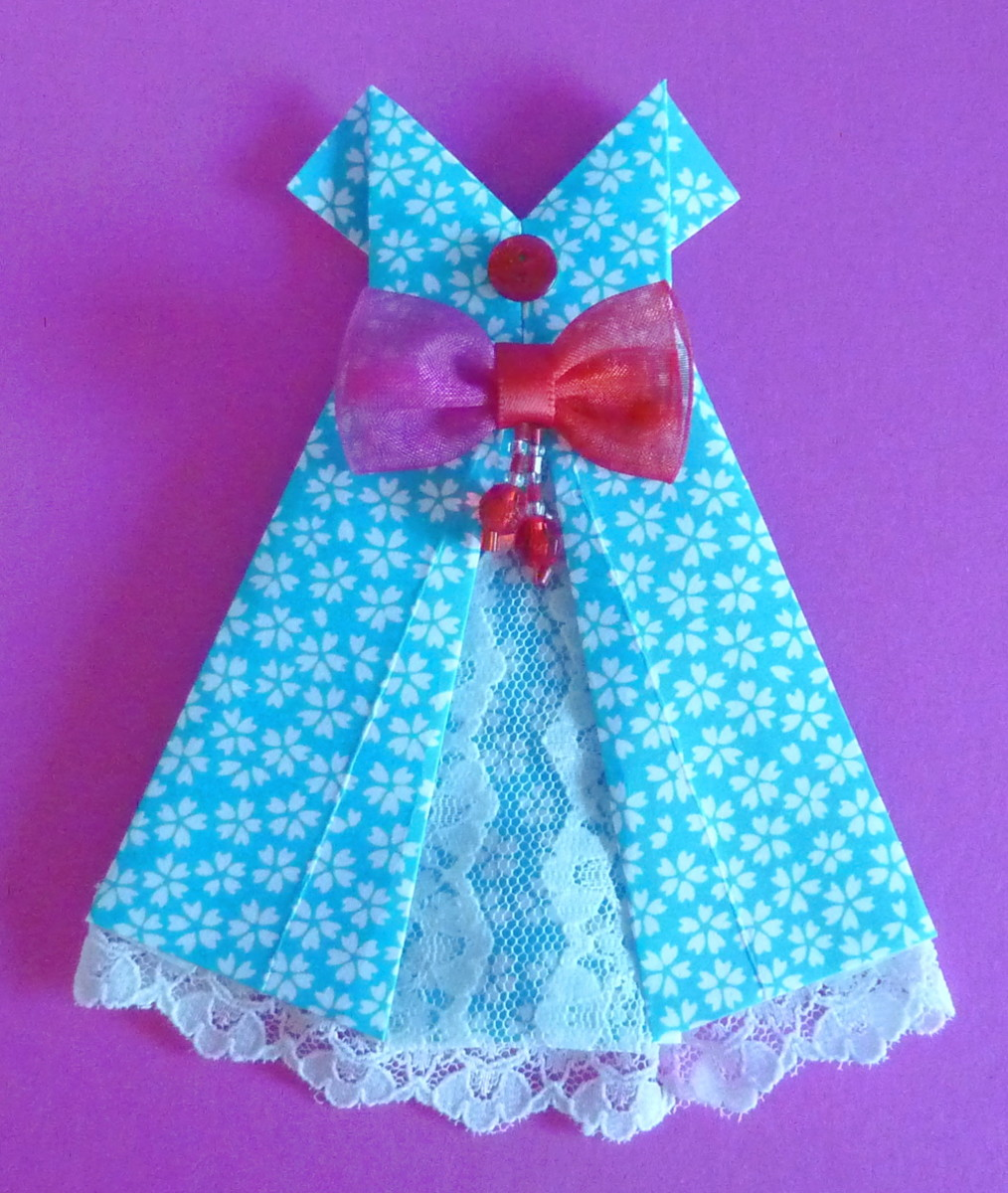Resource Page for Crafting Pretty Origami Dresses fold a paper dress using easy origami techniques
