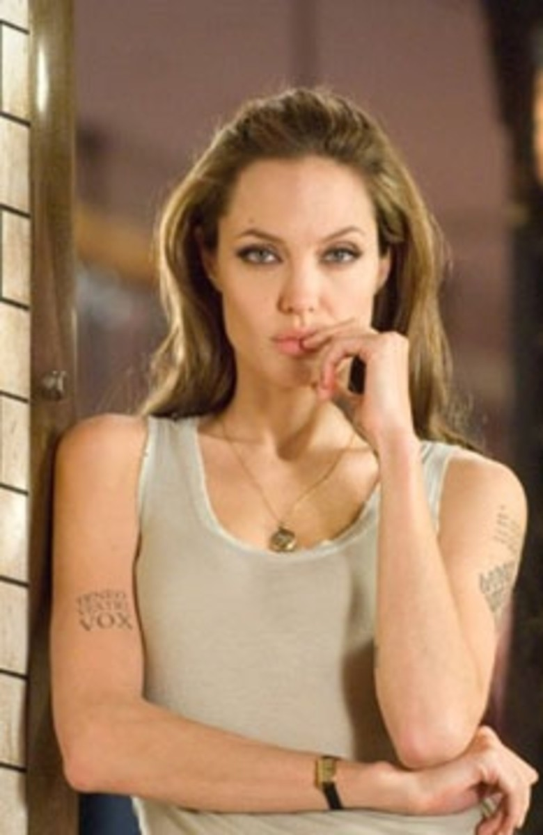 angelina-jolie-in-a-tank-top