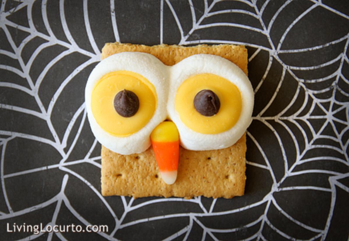 Owl Smores (http://www.livinglocurto.com/2010/09/owl-smores/)