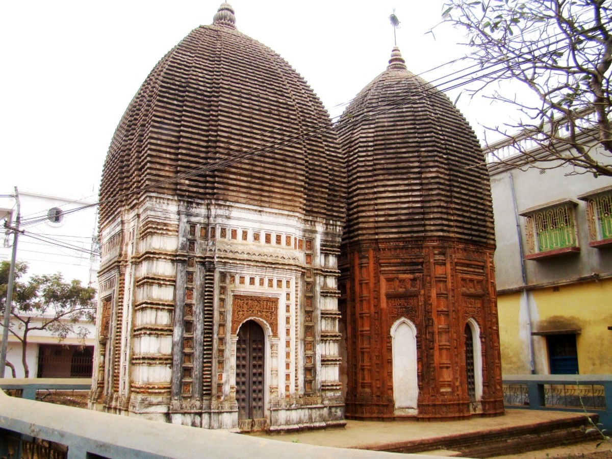 The twin Shiva temples of Supur