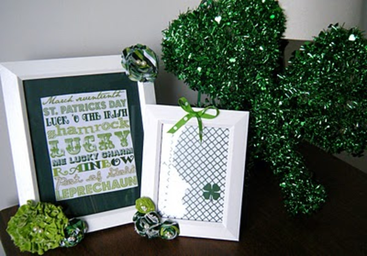 Links for subway art and shamrock printables so you can make your own framed St. Patrick's Day prints.