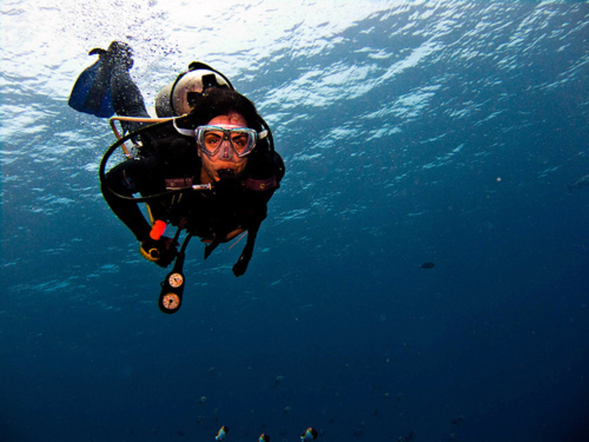 Travel Advice & Tips : If scuba diving is part of your holiday activity, make sure it is covered in your travel insurance