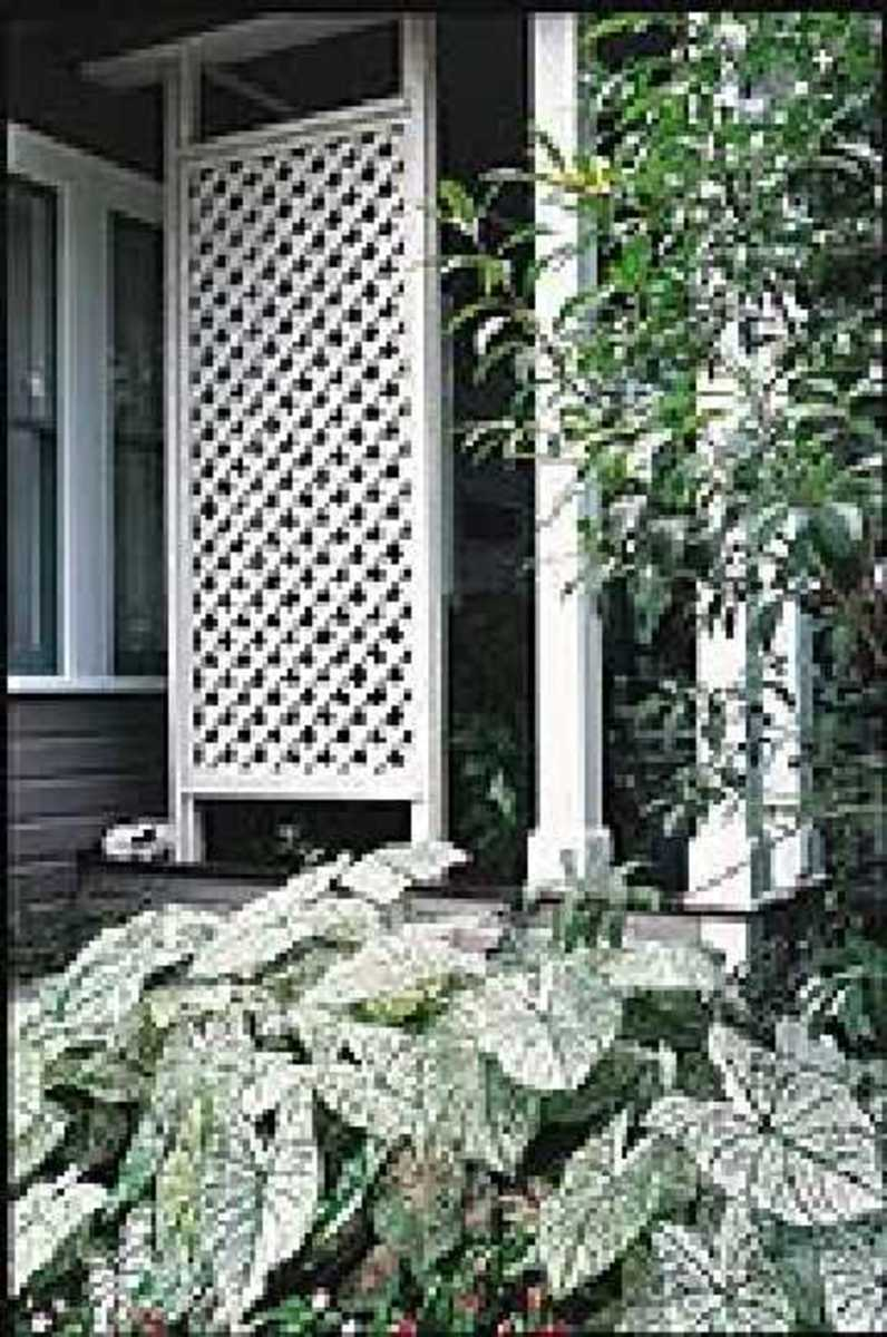 How to install a lattice privacy screen method 3 moldings for Lattice panel privacy screen