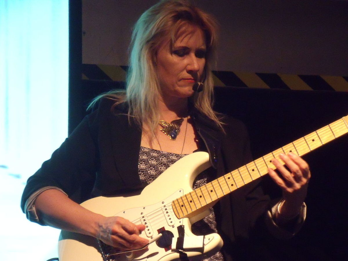 Jennifer Batten and a Fender Stratocaster