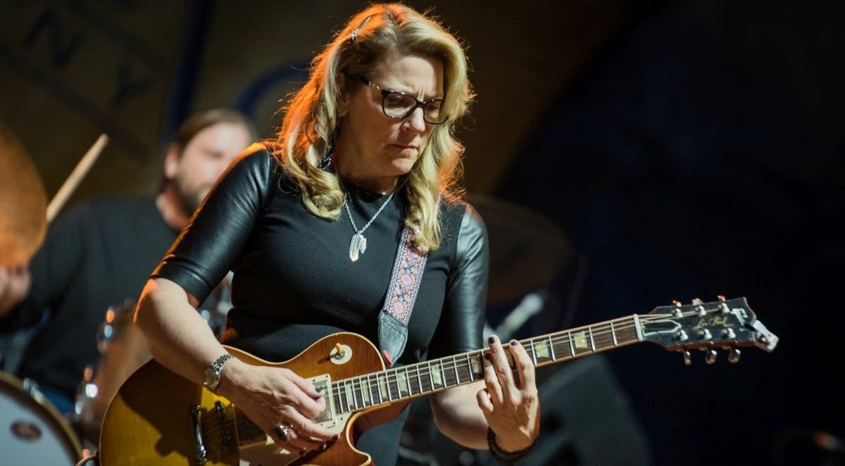 women-of-the-guitar-the-top-five-female-guitarist